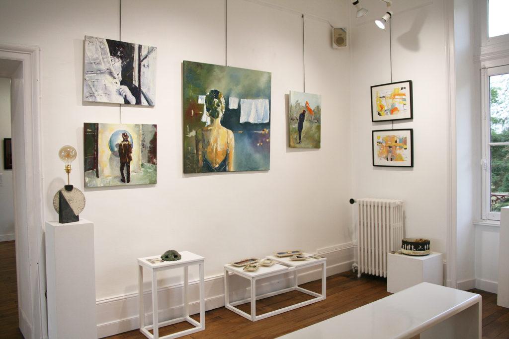 peinture et poterie exposée saloon expo 2020