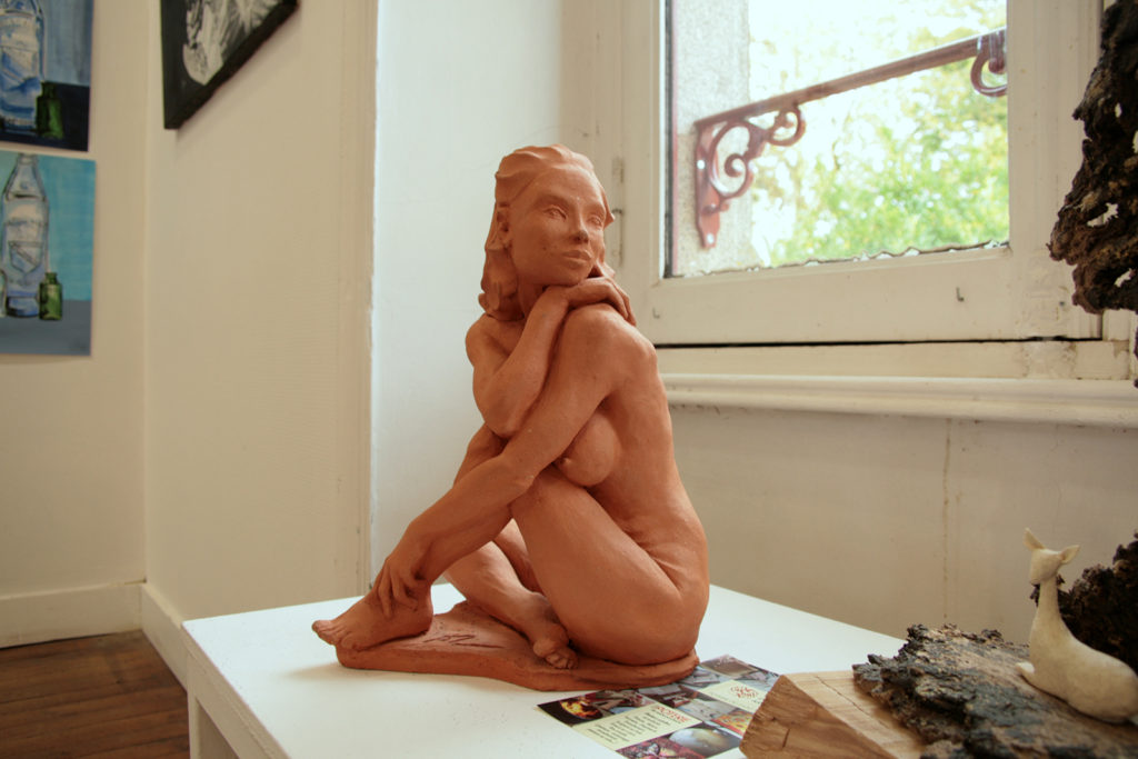 creation sculpture terre femme